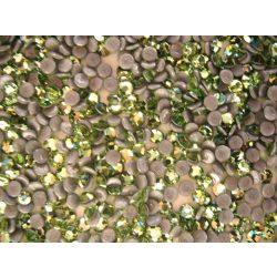 Világos zöld sw.kristály 20db (vasalható)